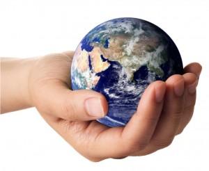 жертвовать деньгами, равнодушные люди, милостыня, скупость, лень, помощь другим, добрые поступки