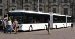 самый длинный автобус,  самый большой автобус в мире, транспортный гигант